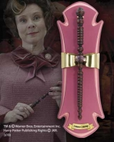 Harry Potter - Bacchetta di Dolores Umbridge con Espositore - Prodotto ufficiale © Warner Bros. Entertainment Inc.